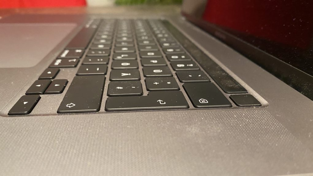 MacBook Pro 16 Test Touch ID