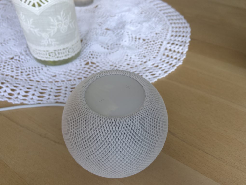 Apple HomePod mini Design