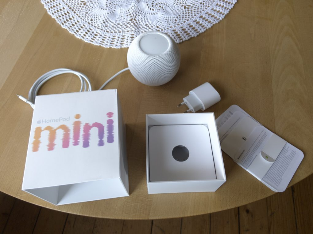 Apple HomePod mini Unboxing